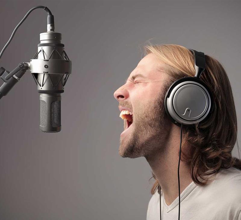 """Ses Bozukluğu """"Ses Estetiği"""" İle Tedavi Ediliyor"""